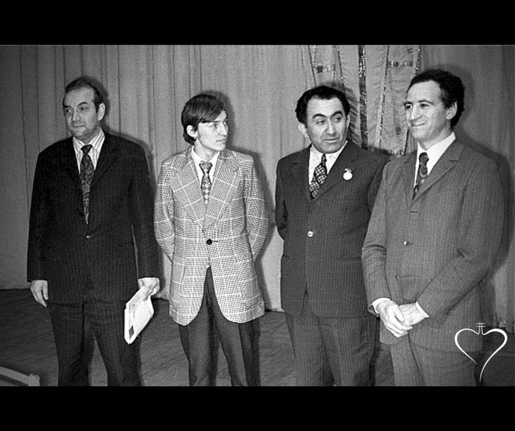 Viktor Korchnoi, Anatoly Karpov, Tigran Petrosian and Lev Polugaevsky at the closing ceremony of the 41st USSR Chess Championship. Boris Spassky won the tournament 11½/17. Moscow, USSR 1973.