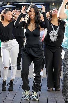 Flash Kourtney Kardashian Mob January 122018Cosas Ponerme Para rdCxtshQoB