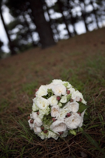White roses and berries.
