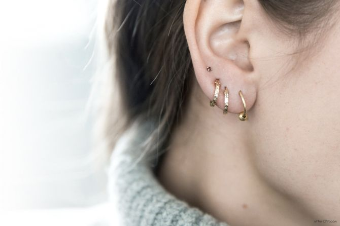I am crazy about this look right now!!! I love tiny delicate earrings