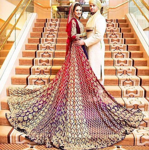 I Must say i love the extravagance of this look! its so fabulously over the top and impractical! the way the colous seamlessly moves into one another simply adds to the opulence of it all! A bit of lavishness is all you need sometimes!