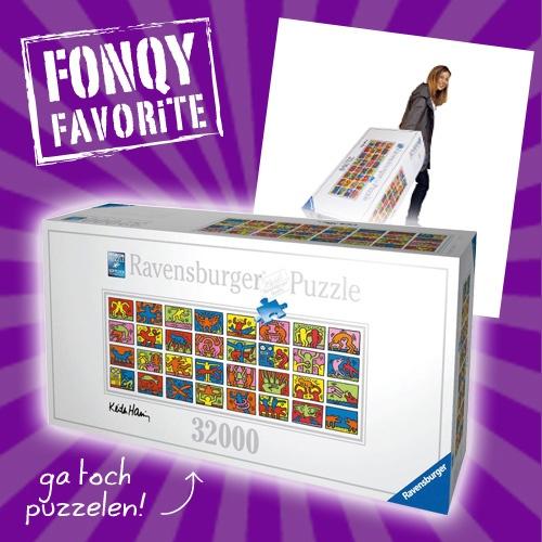 Slaat de verveling bij jou wel eens toe? Dan hebben we een mooie uitdaging voor je! 10 m2, 19 kilo en 32.256 puzzelstukjes met Keith Haring afbeelding is gegarandeerd uren, dagen, misschien wel weken puzzelplezier!