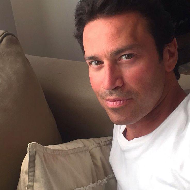 Mario Frangoulis selfie April, 2016