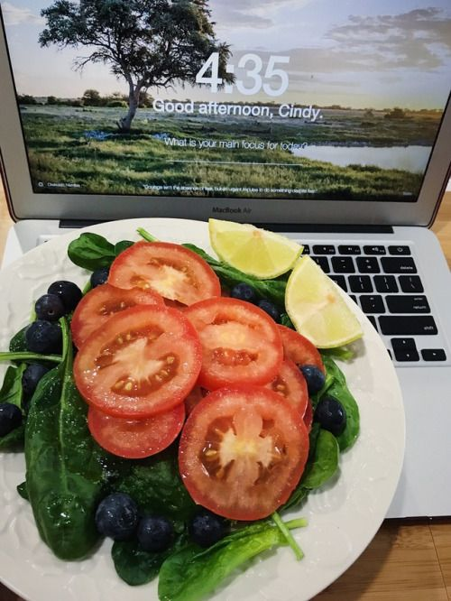 Did you eat any vegetable today? Why not trying this easy and healthy salad? Do not forget adding Greek Extra Virgin Olive Oil!