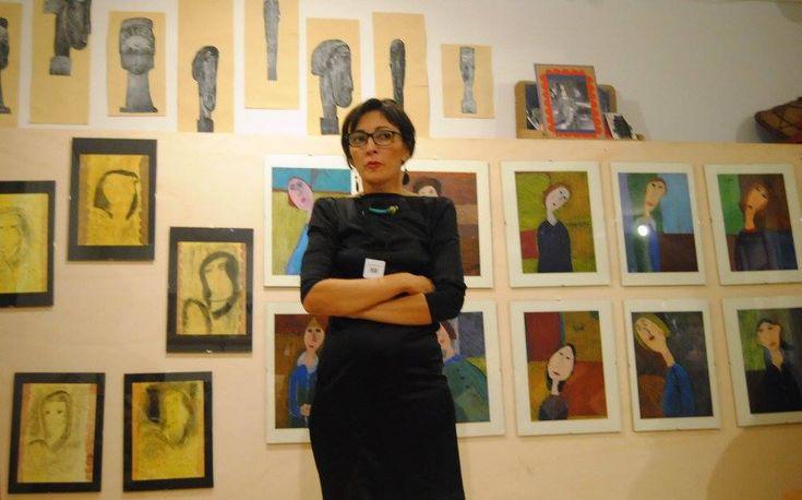 Elena Iodice è un architetto: ormai da tre anni conduce laboratori d'Arte all'interno delle scuole, delle librerie e di alcuni istituti culturali. Può sembrare che le sue due attività s…