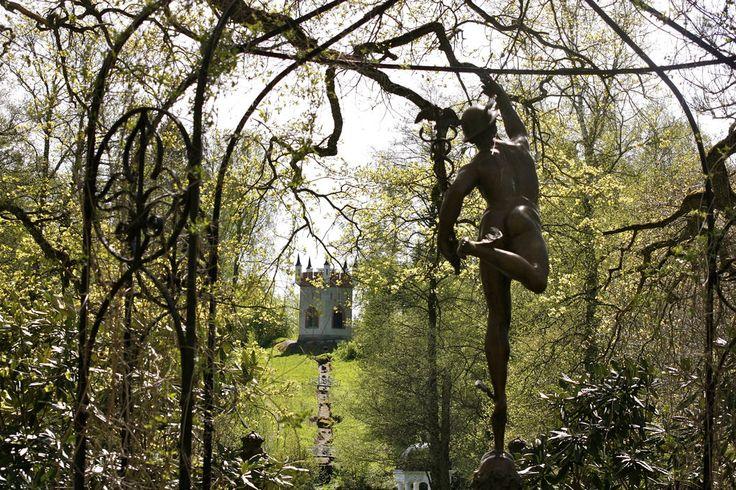 Kaunista maisemaa #visitsouthcoastfinland #mustionlinna #svartåmanor #nature #statue #beautiful #luonto #patsas maisema
