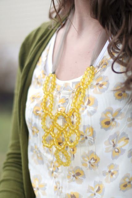 Nestled: DIY: Beaded Bib Necklace