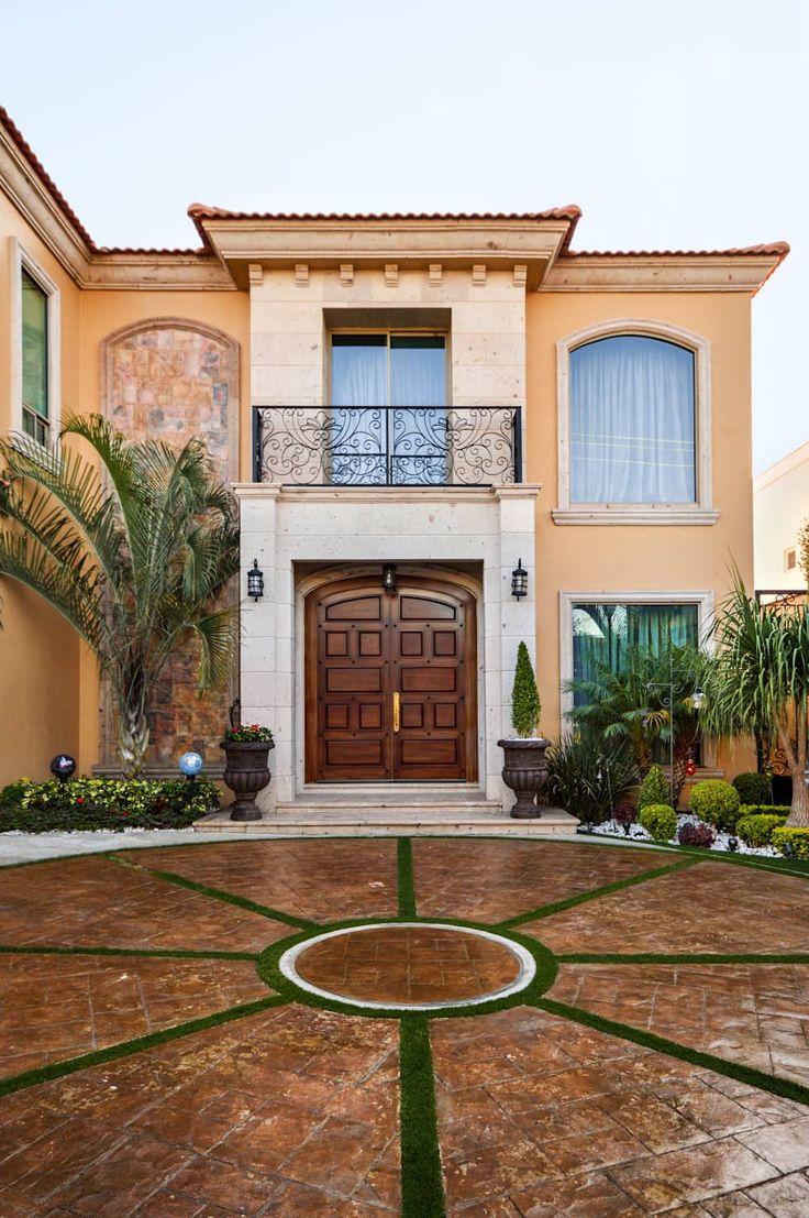 Las 25 mejores ideas sobre casas de estilo colonial en for Fachadas de casas modernas con zaguan