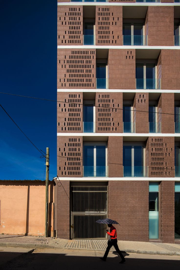 Image 3 of 30 from gallery of Lubango Centre / PROMONTORIO. Photograph by Fernando Guerra | FG+SG