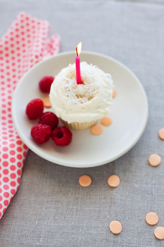 Coconut cupcake #foodheaven: Happy Birthday, Cupcake Recipes, Raspberry Cupcakes, Birthdays, Birthday Cupcakes, Coconut Cupcakes, Birthday Cake, Party Ideas, Pink Candle
