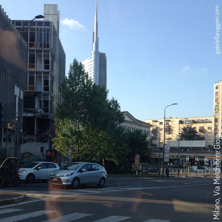 A lovely walk just in Milano, Italy, driving, working, talking and drinking a coffee with a friend.  #GabriellaRuggieri #Milano #Milan #MelchiorreGioia #urbanlandscape #igersmilano #ig_milano #photograph  #lifestyle #travel #1blog4u