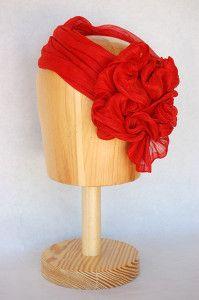 Tocado de sinamay de seda rojo Luisa Gala