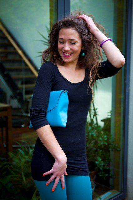 The Turquoise Mini Pop Up as a clutch bag for elegant nights out