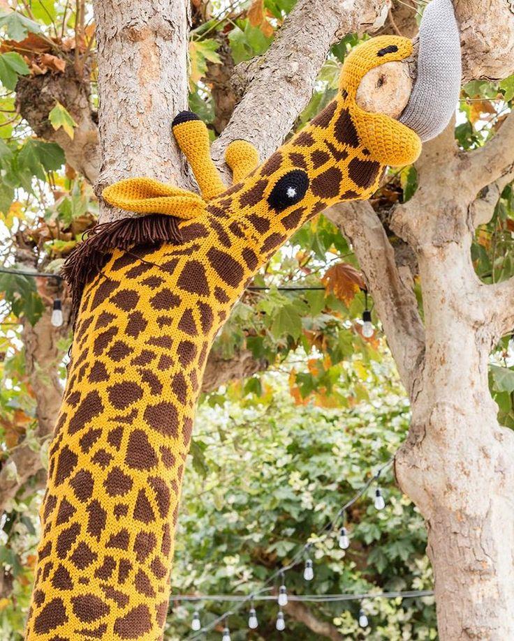 Жираф на дереве картинки для продолжить