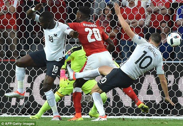France midfielder Moussa Sissoko sees 'beautiful things' as Euro 2016 hosts stutter to 0-0 draw against Switzerland to secure top spot in Group A