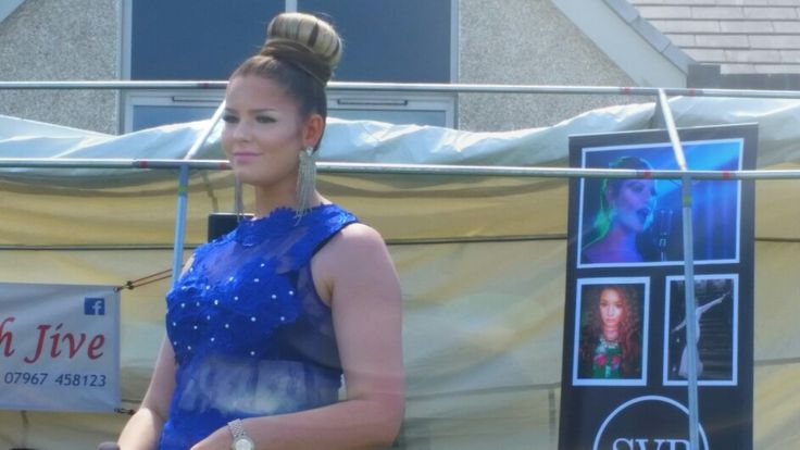 Had a lovely time performing in the sunshine at the fete today!