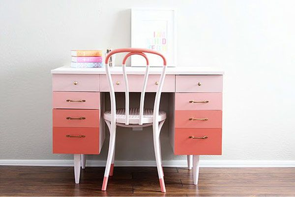 creamylife blog: Paintings Furniture, Idea, Color, Dips Dyes, Ombre Desks, Paintings Desks, Interiors Design, Diy, Pink Desks