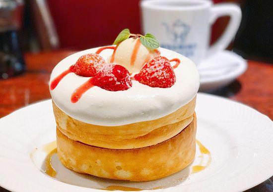 春限定!星乃珈琲店の苺フェア「苺とふんわりクリームのスフレパンケーキ」が悶絶級の美味しさ♪ - ネタとぴ