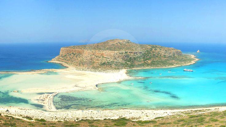 Ο Μπάλος είναι μία λιμνοθάλασσα στα βορειοδυτικά της πόλης των Χανίων και σε απόσταση περίπου 56 χιλιόμετρα. Πρόκειται, μαζί με το Ελαφονήσι, για την πιο πολυφωτογραφημένη παραλία του νησιού.