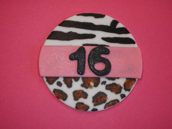 Party ideas by ammdel 346 holidays and events ideas to for Animal print edible cake decoration