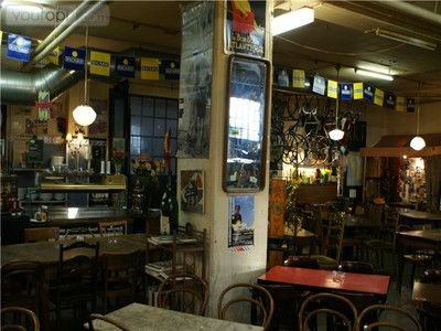 Les Halles: a fun place to have a drink or dinner