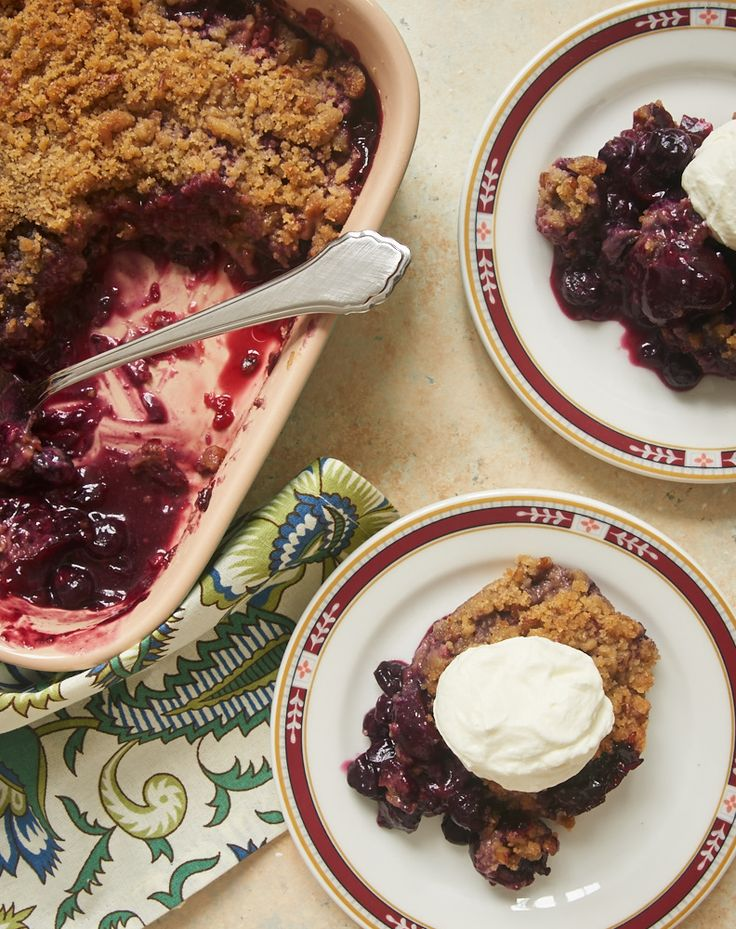 Sweet cherries and berries combine with a nutty, brown sugar crumb topping for this quick, easy, and delicious Cherry Berry Crumble. - Bake or Break. ~ http://www.bakeorbreak.com