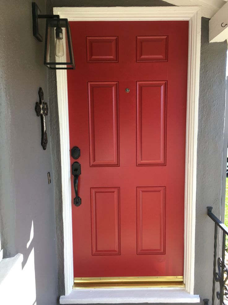 My Red Door Exterior Red Door Benjamin Moore Caliente