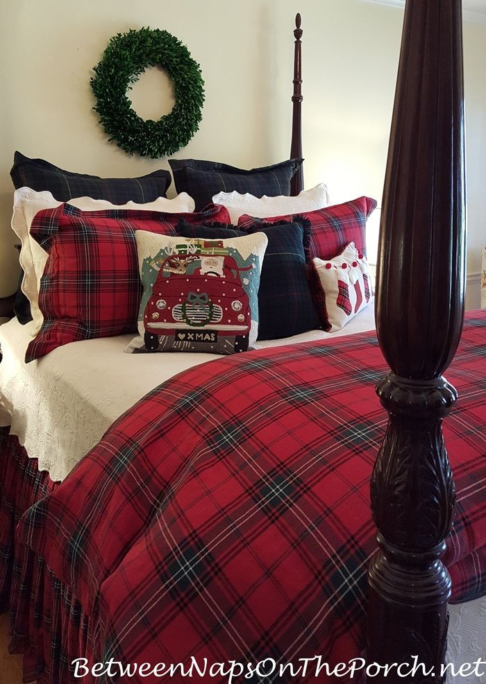 Decking the halls and the beds and the sofas mesas for Sofa bed for xmas