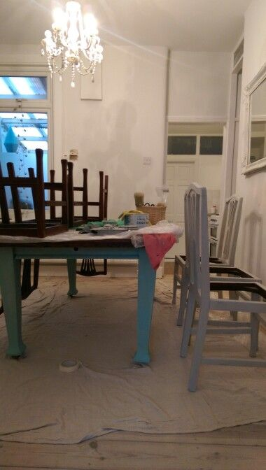 DIY project. Painting table and chairs. Annie Sloan chalk paint. Soft grey.