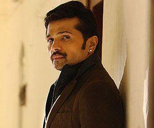 New Bollywood Film The Xpose: Himesh Reshammiya, Yo Yo Honey Singh, Irrfan Khan's Characters Revealed  http://sholoanabangaliana.in/blog/category/bolly-news/page/4/#ixzz2yjlT7hqm