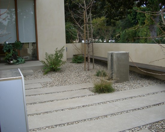 Patio Walls Around Patio Slab : Concrete slabs in pebbles retaining wall with built