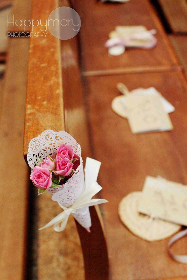 Vous le savez, notre mariage était un mariage DIY!! Aujourd'hui je vous propose de découvrir nos livrets de messe, la décoration de notre cérémonie religieuse et toutes les petites choses que nous avions préparé pour nos invités...