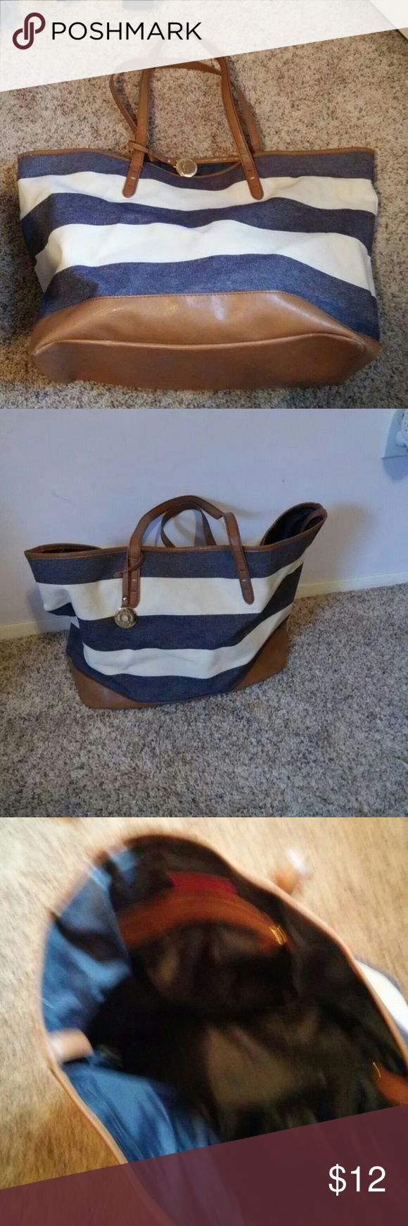 Tommy Hilfiger striped tote bag. Tommy Hilfiger blue and white striped tote bag with brown accents. In great condition. Tommy Hilfiger Bags Totes