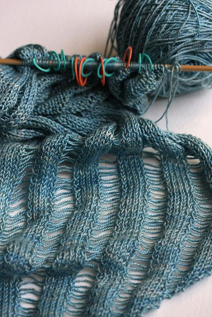 hipstercrochets:    Dropped stitch ladders (215-218) by the wee pixie on Flickr.
