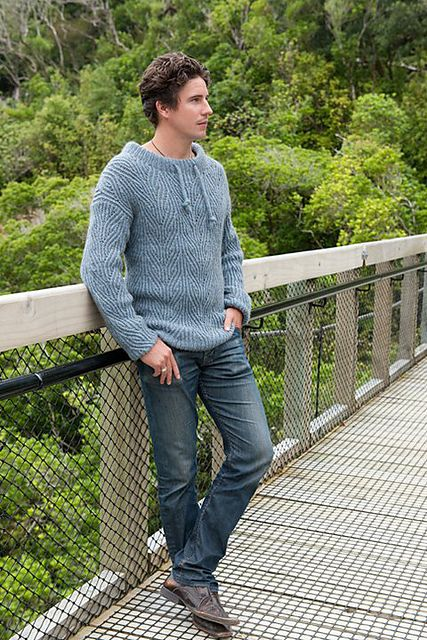 I love this Sailing Sweater by Claudia Pacheco. The design is simple and subtle but would look great on many different men. The fabric choice is giving me life!