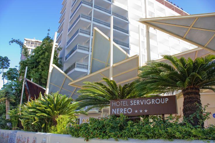 El Hotel Servigroup Nereo goza de una privilegiada situación a tan sólo 250 m. de la Playa de Levante de Benidorm, y en pleno centro de la zona comercial del Rincón de Loix. En el hotel destacan los espacios amplios y una esmerada oferta gastronómica, un gran equipo de profesionales y una amplia variedad de actividades para niños, que hará que los más pequeños de la casa nunca olviden sus vacaciones.  // The Hotel Servigroup Nereo enjoys a privileged location just 250 m. from the popular…