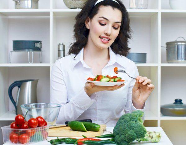 Список полезных, малокалорийных и бюджетных продуктов, которые помогут быстро похудеть.