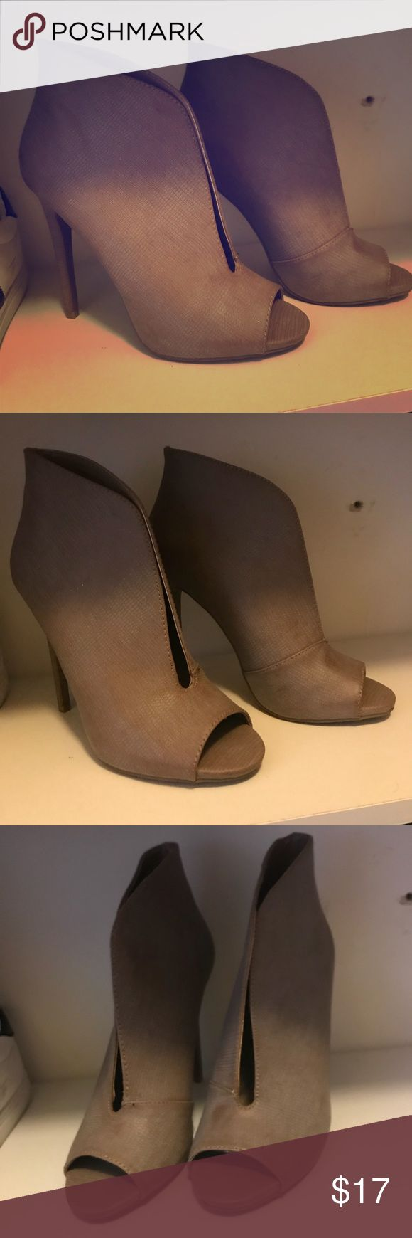 Sand Cut Out Booties JustFab 👢 Preloved JustFab Sand Color Booties for sale! These are to die for & designer inspired. Awesome fir a night out on the Town or just as a chic daily look! #bootseason #todiefor JustFab Shoes Ankle Boots & Booties