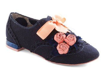 Simple & Sweet Shoe Refashion