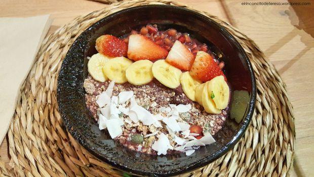 Açai Bowl delicioso en Chaitea Hausfood en Barcelona.