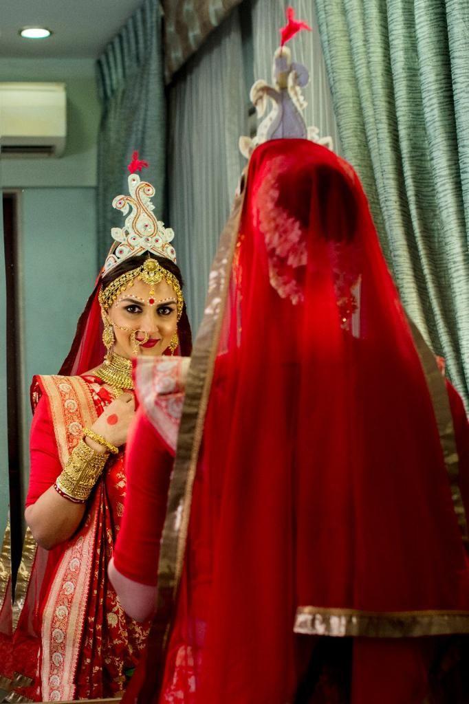 Esha Deols Bengali Bride look for Cakewalk in Warp 'n Weft Jungla Silk Banarasi Saree