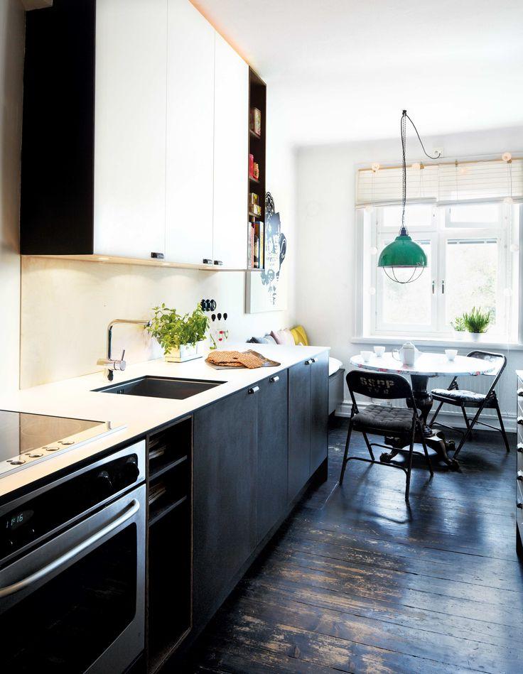 platsbyggt kök golv svart mdf corian moderskeppet stockholm