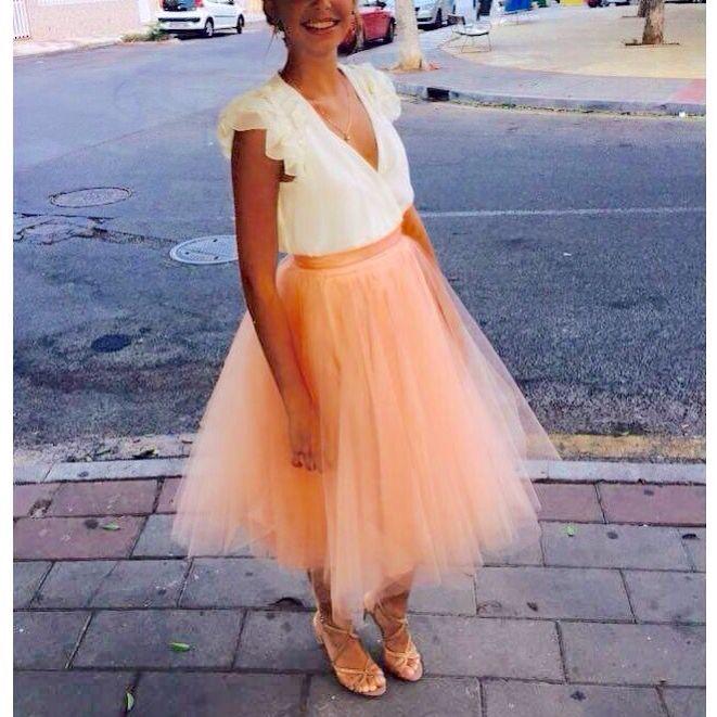 Falda Carrie de tul rosa diseñada y cosida por mi para una boda