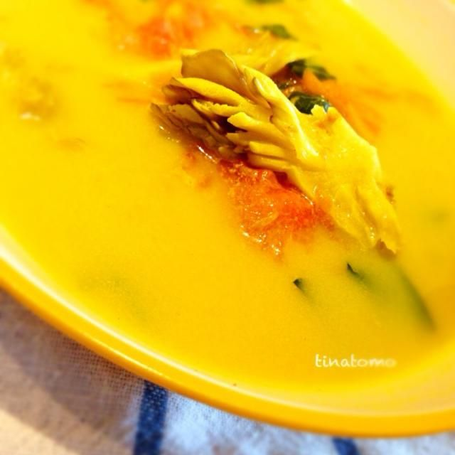 近頃お肌の調子が凄く良いのはスパイスを積極的に摂取しているからかなー。 と調子に乗り作ったカラーいスープです!舞茸から出るエキスには、ダイエット効果もあると知り、入れてみました(⌒▽⌒) - 76件のもぐもぐ - 我流美肌スープ! by tinatomo