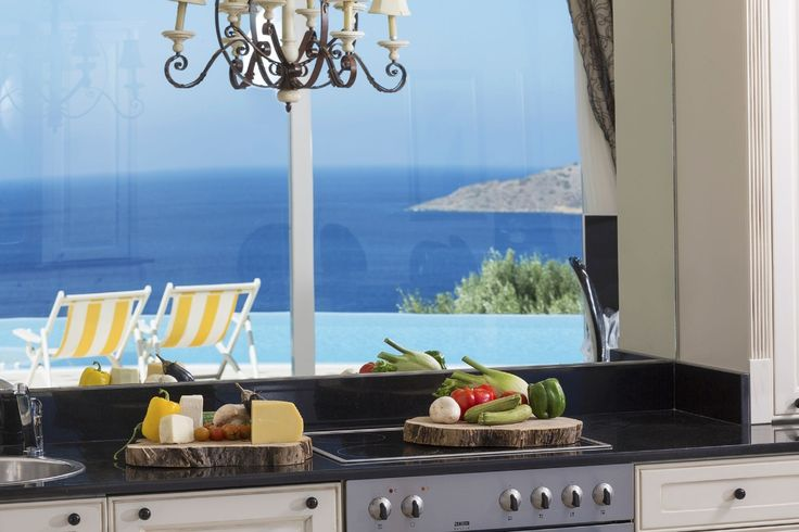 How inspiring can it be to cook your favorite meal watching this view to the sea?