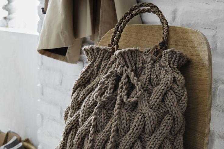 Die schicke, neue Tasche zum Ausführen können Sie sich ab jetzt Selberstricken mit unserer Anleitung.