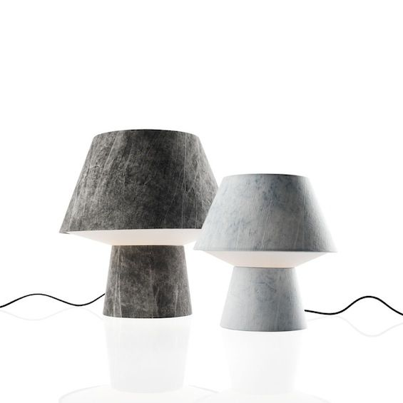 "S'inspirant de l'univers du jean ""Soft Power"" est une lampe de table signée Diesel with Foscarini."