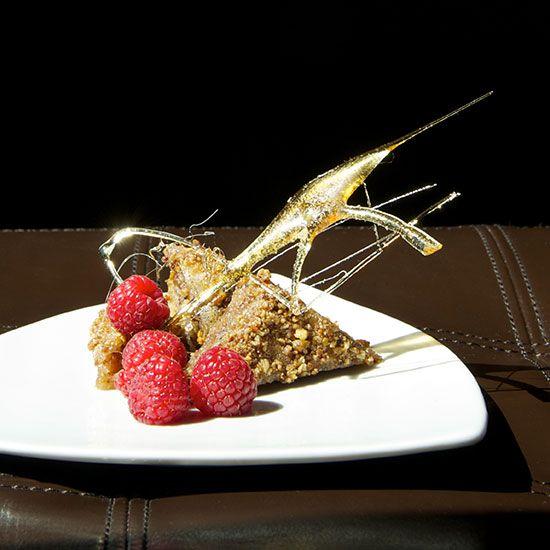 Top 20 Vegan and Vegetarian Restaurants on Food & Wine #foodiehoneymoons #vegetarianhoneymoons #blisshoneymoons.