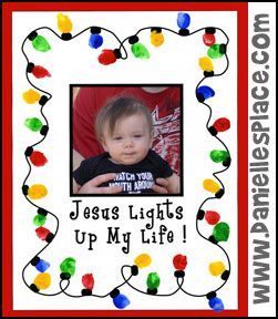 Christmas Craft - Jesus Lights Up My Life Thumbprint Craft for Children's Sunday School from www.daniellesplace.com