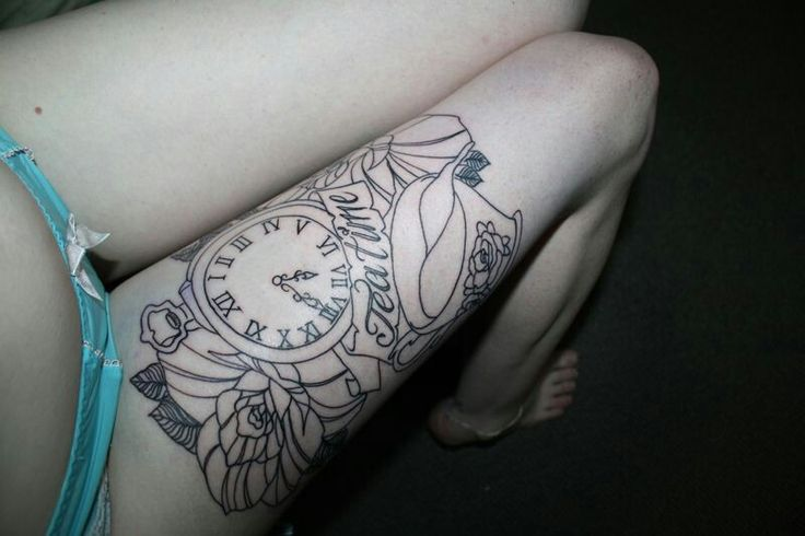 Alice clock tattoo tattoos with meaning pinterest for What does a clock tattoo mean